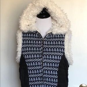 Iris basic hooded vest with cozy soft faux fur
